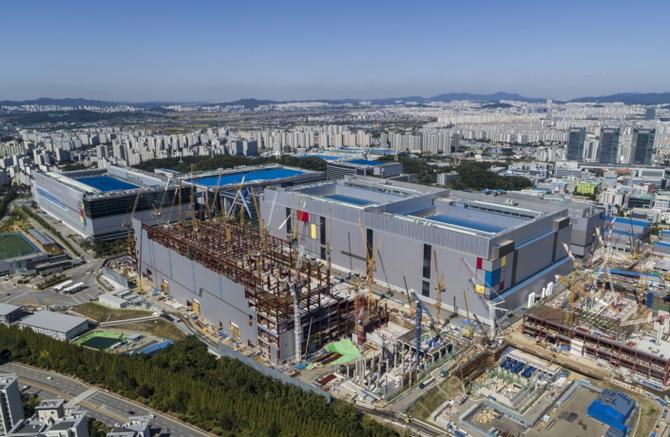 Samsung produkuje już chipy 7nm LPP z wykorzystaniem EUV [1]