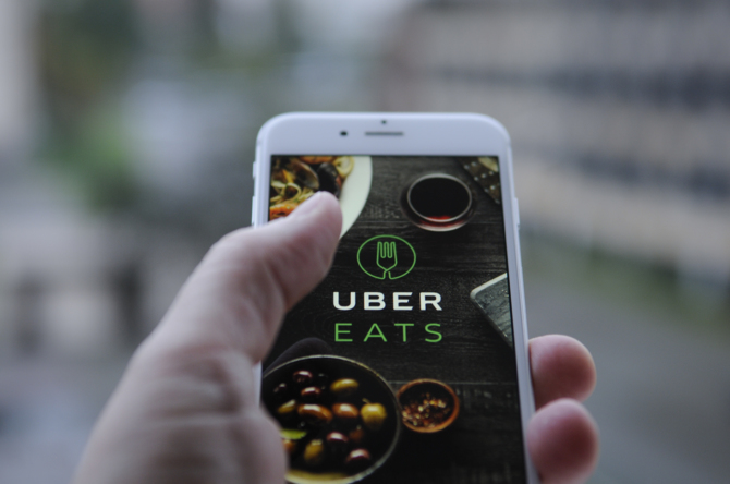 Uber Eats planuje w 2021 dostarczać jedzenie za pomocą dronów [1]