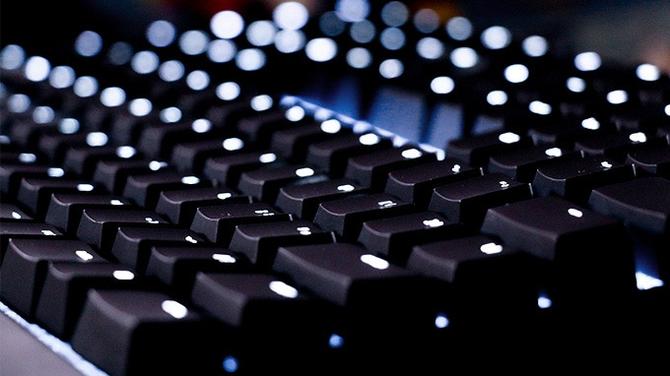 TYPI: wymyślona od nowa kompaktowa klawiatura z Cherry MX  [3]