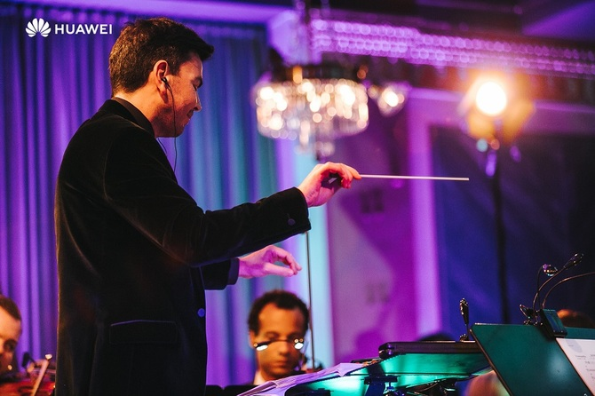 Huawei prezentuje koncert Sound of Light współtworzony przez AI [3]