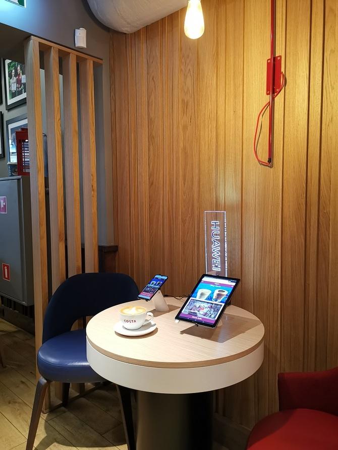 W kawiarniach Costa Coffee przetestujesz urządzenia Huawei [2]