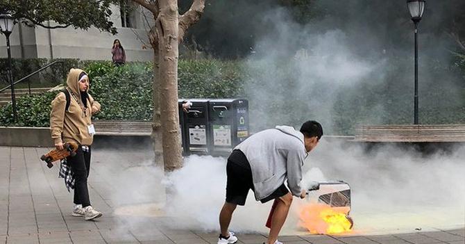 Grilluj z KiwiBotem: w Berkeley spłonął robot dowożący jedzenie [1]