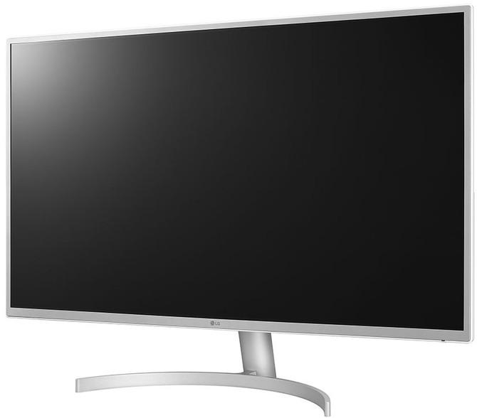 LG 32QK500-W - niedrogi monitor 32-calowy z AMD FreeSync [1]
