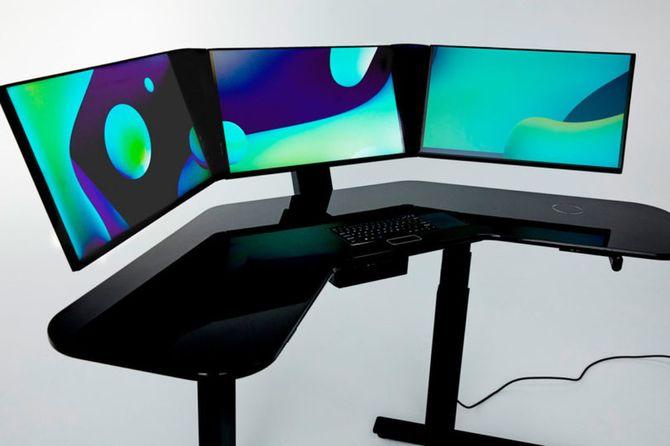 Centrex: inteligentne biurko z wbudowanym PC do pracy na stojąco  [2]