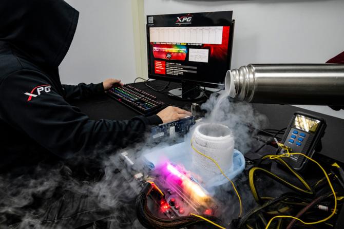 CES 2019: ADATA z rekordowym wynikiem podkręcania DDR4 [1]
