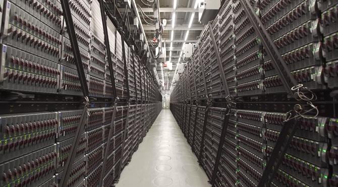 Szef NVIDIA Jensen Huang: Prawo Moore`a jest już martwe  [2]