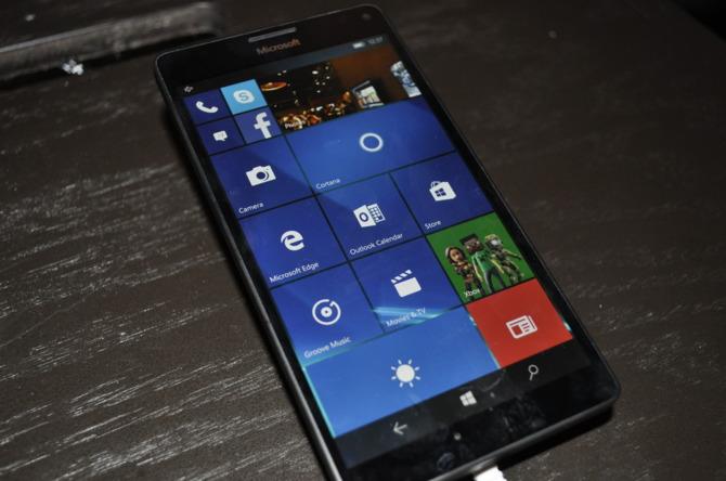 Microsoft definitywnie kończy z Windows 10 Mobile [1]