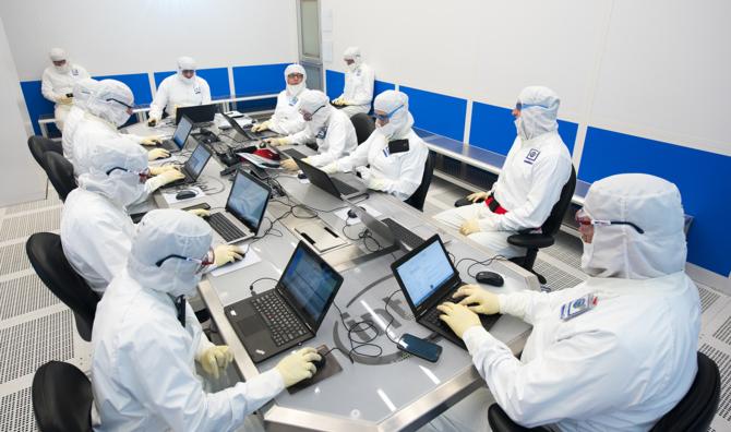 Intel rozbuduje fabrykę D1X. Powstaną tam 7 nm układy EUV [1]