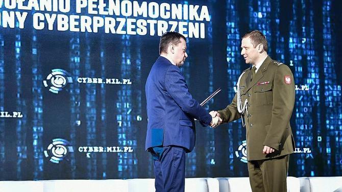 Cyfrowi żołnierze. Armia buduje Wojska Obrony Cyberprzestrzeni [1]