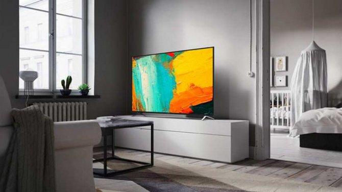 Sharp do wybranych telewizorów dodaje drugi model za darmo [1]
