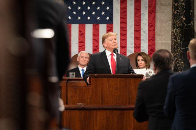 Donald Trump podpisał rozporządzenia. USA chcą być potęgą AI [1]