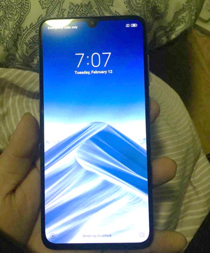Xiaomi Mi 9 - są już oficjalne rendery, będzie wersja Explorer Edition [2]
