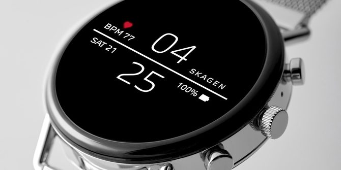 Nowy smartwatch Samsunga z zoomem i wyświetlaczem na pasku [2]