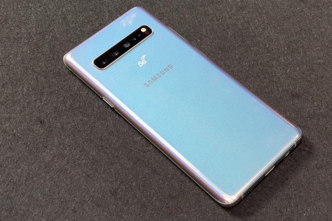 Samsung Galaxy S10 5G - flagowa wersja z poczwórnym aparatem [4]