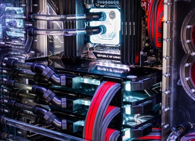 8PACK ORIONX2 - komputer w cenie od 165 tysięcy złotych [3]