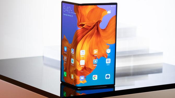 Dlaczego zakup składanego telefonu w 2019 to wielki błąd? [1]