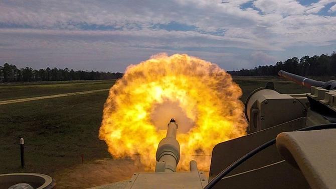 Projekt ATLAS - USA budują czołgi zarządzane przez SI [1]