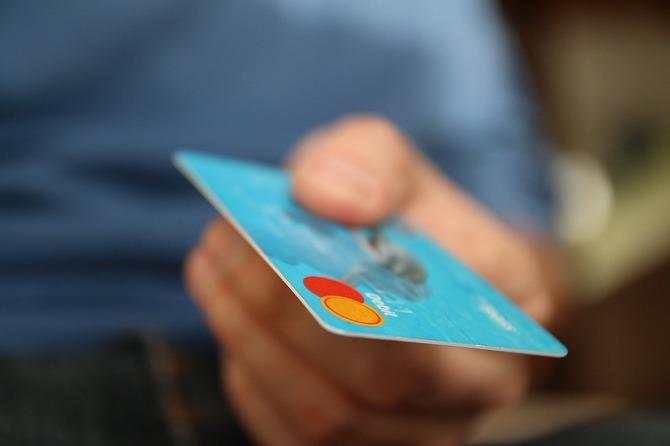 Brytyjski bank testuje kartę płatniczą z czytnikiem linii papilarnych [2]