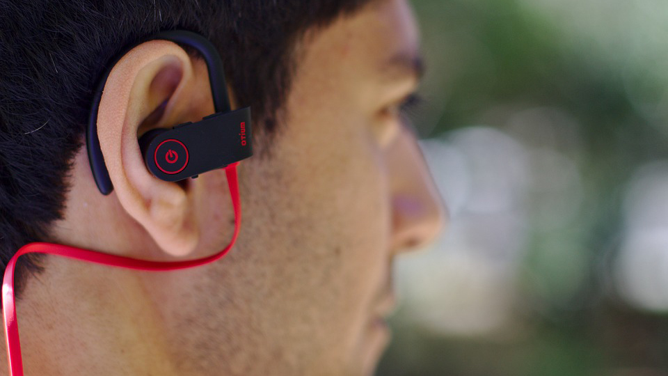 Raport naukowców: słuchawki bezprzewodowe prowadzą do raka