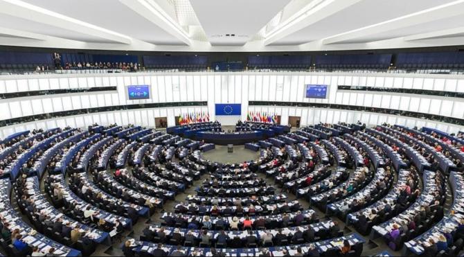 Acta 2: Parlament Europejski przyjął kontrowersyjną dyrektywę  [2]