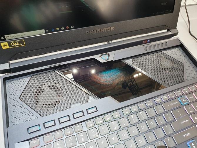 Acer Helios 700 - notebook z wysuwaną klawiaturą oraz RTX 2080 [1]