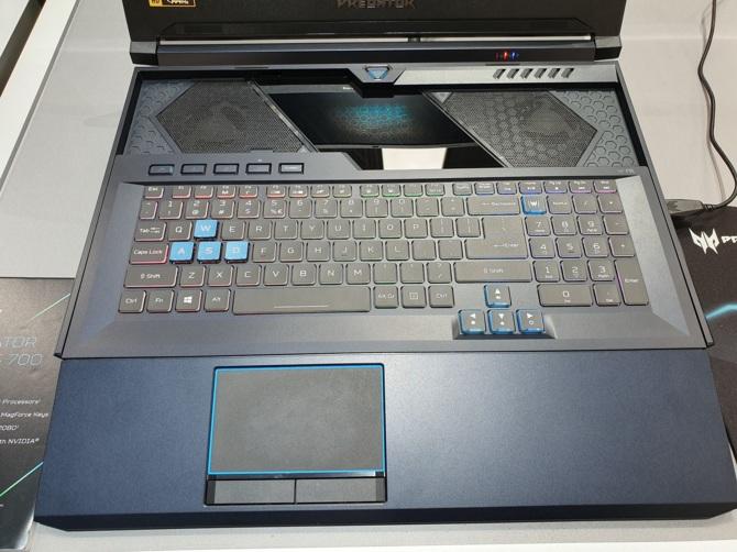 Acer Helios 700 - notebook z wysuwaną klawiaturą oraz RTX 2080 [3]