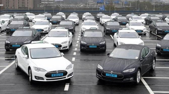 Elon Musk: Autonomiczne robo-taksówki Tesla już w 2020 roku! [2]