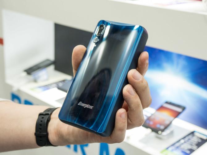 Smartfon Energizer ogromną klapą. Firma zebrała 1% funduszy [2]