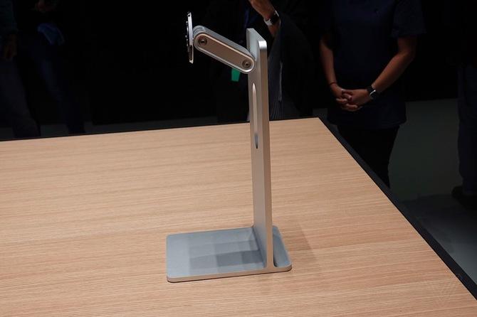 Apple chce 1000 dolarów za niezbędną podstawę do monitora [1]