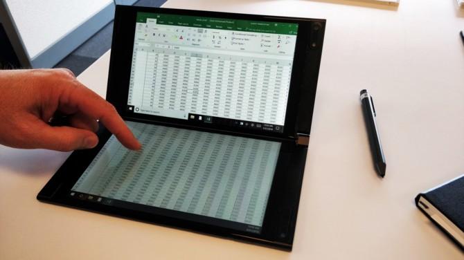Centaurus: nowa hybryda Microsoftu ze składanym ekranem [1]