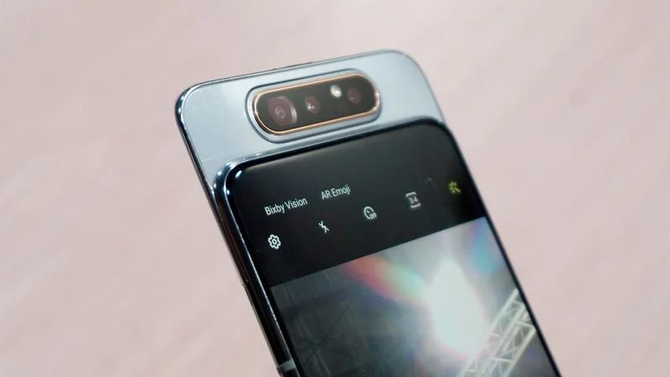 Samsung Galaxy A90 ma być flagowcem z układem Snapdragon 855 [3]