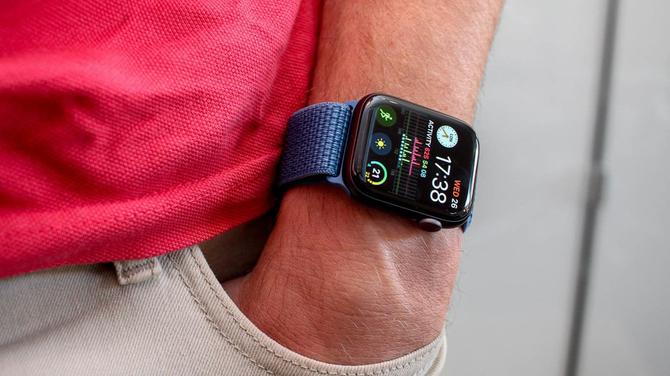 Apple - nowy smartwatch z kamerką na wysuwanym module [3]