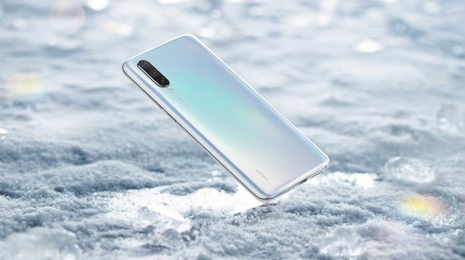 Xiaomi Mi CC9 i Mi CC9e - premiera nowej serii średniaków [1]