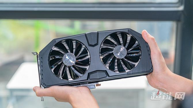 XFX Radeon RX 5700 XT - zdjęcia niereferencyjnej karty [5]