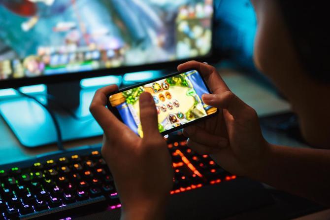 Denuvo zmierza na telefony. Wojna z mobilnym piractwem [2]