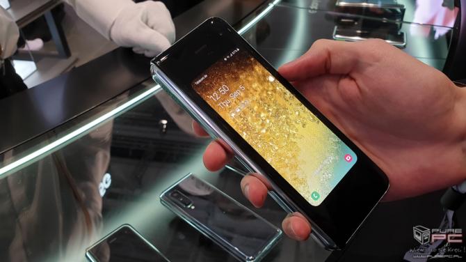 Składany smartfon Samsung Galaxy Fold jutro trafi do sprzedaży [5]
