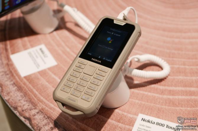 Nokia 110, Nokia 2720 Flip i Nokia 800 Tough - nowe klawiszowce [4]