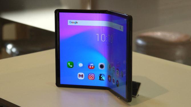 TCL stworzyło składany smartfon. Ma być przystępny cenowo [1]