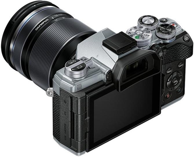 Olympus OM-D E-M5 Mark III - aparat z pięcioosiową stabilizacją  [1]