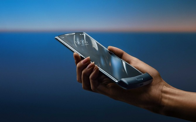 Motorola Razr - premiera smartfona ze zginanym ekranem [4]