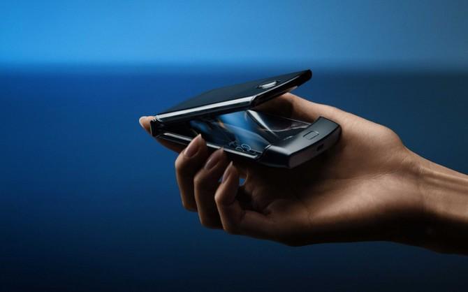 Motorola Razr - premiera smartfona ze zginanym ekranem [6]