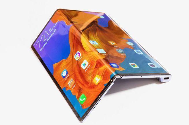 Naprawa ekranu w Huawei Mate X kosztuje więcej niż iPhone 11 [2]