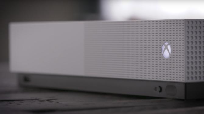 Microsoft wyda tańszą konsolę Xboxa nowej generacji bez napędu [1]