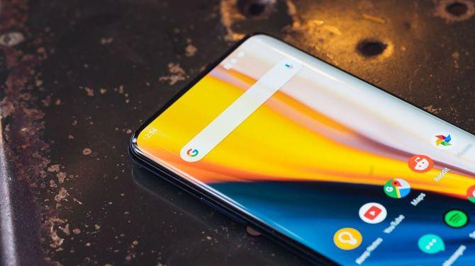 Smartfony OnePlus 8 otrzymają ekran 120 Hz o jasności 1000 nitów [1]