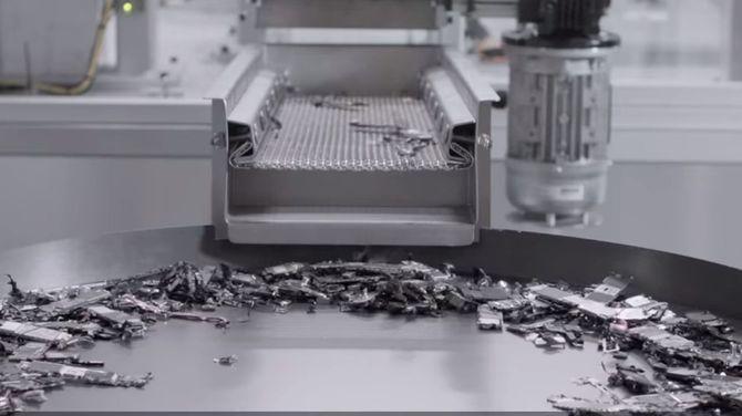 Apple recykluje stare iPhone'y i ma nadzieję, że zainspiruje innych [3]