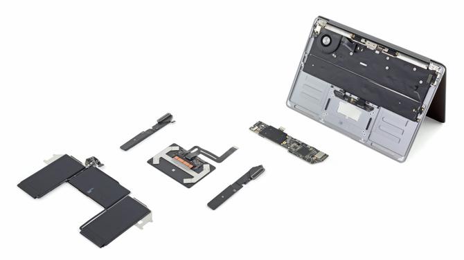 MacBook Air 2020 w rękach iFixit. Serwis pochwalił projektantów [3]