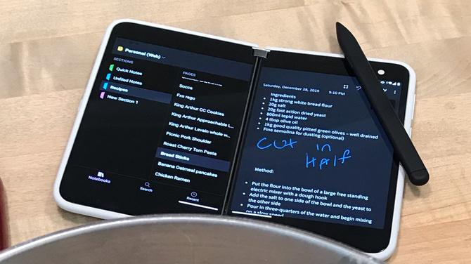 Microsoft Surface Duo z rysikiem. Mamy zdjęcia i specyfikację [2]