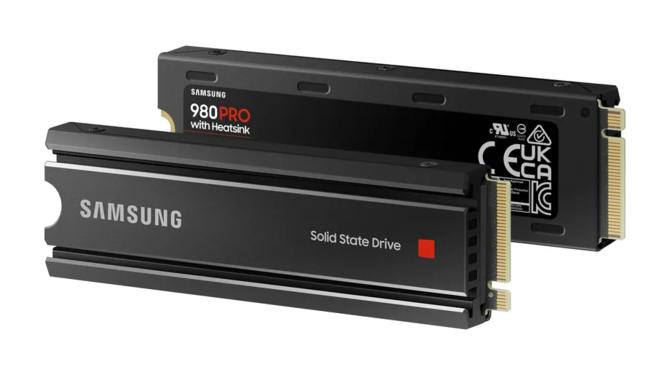 Samsung 980 PRO - Value Solid State Drive tiene una versión con un disipador de calor de fábrica, que está destinada a las consolas Sony Playstation 5  [1]