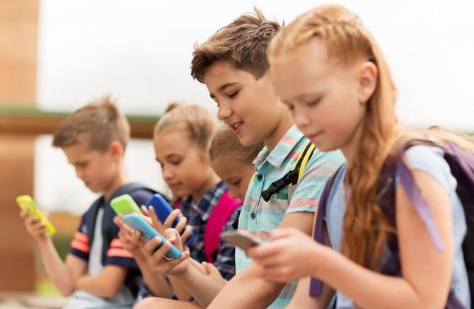 TOP 10 aplikacji mobilnych dla rodziców, które warto znać [25]
